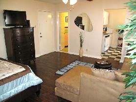Studio Apartment In Vintage Building Old East Dallas AvenueWest Rentals