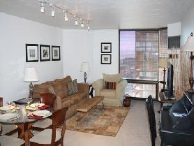 1BD/1BA 11th Floor Condo in a High Rise Downtown